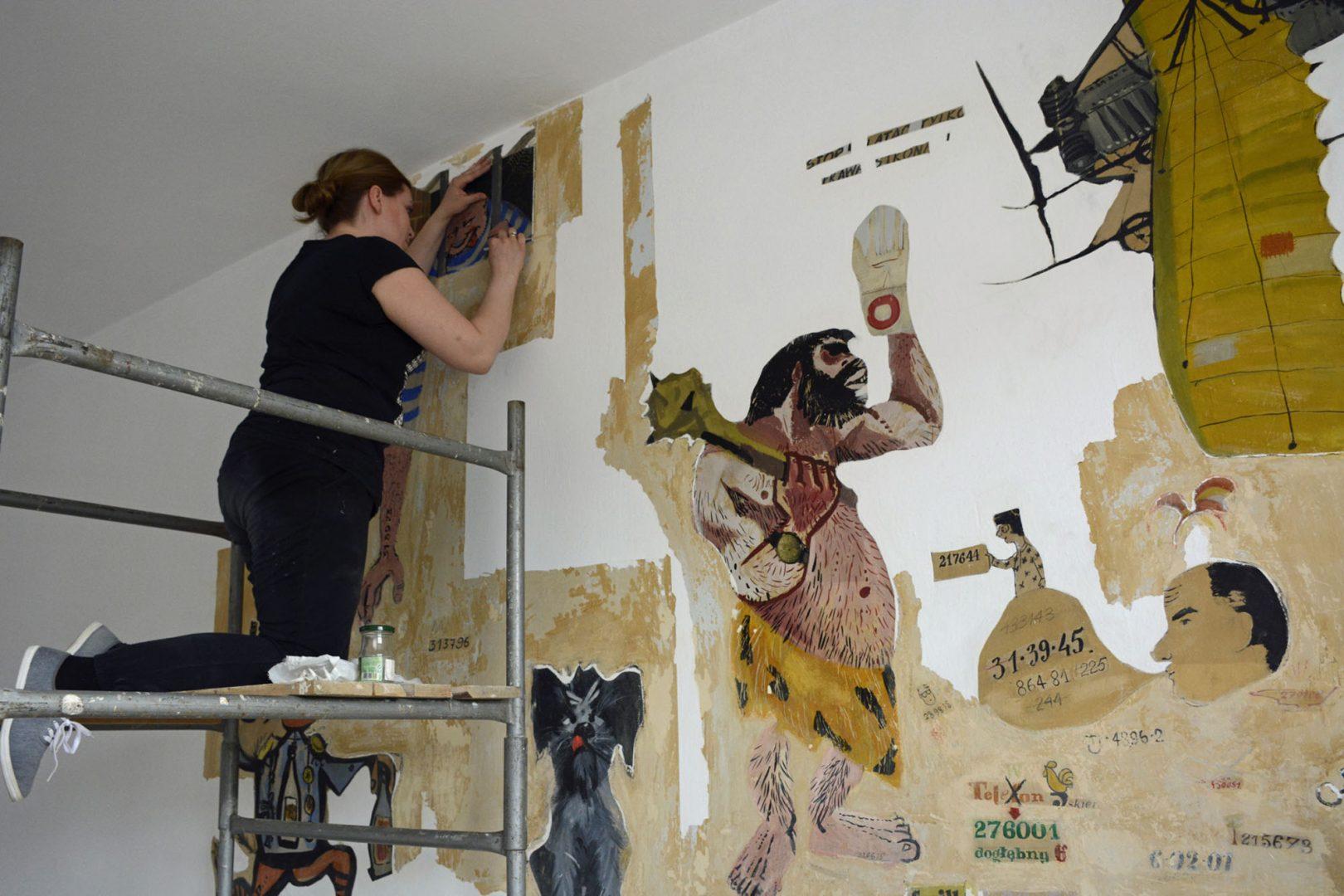 Muzeum Warszawy przenosi rysunki ześcian Iskier