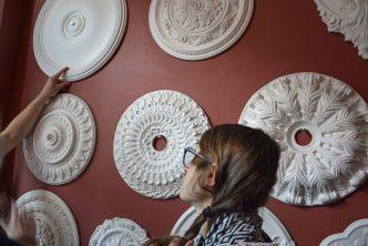 Biżuteria dla kamienic - relacja z wizyty w pracowni sztukaterii gipsowej