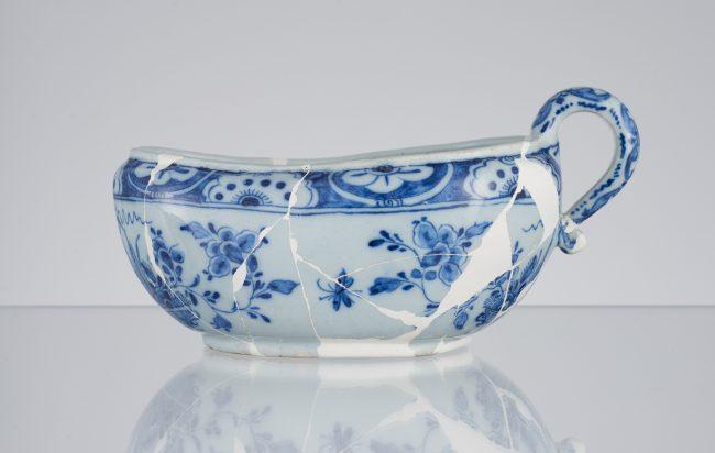 Bourdaloue type chamber pot