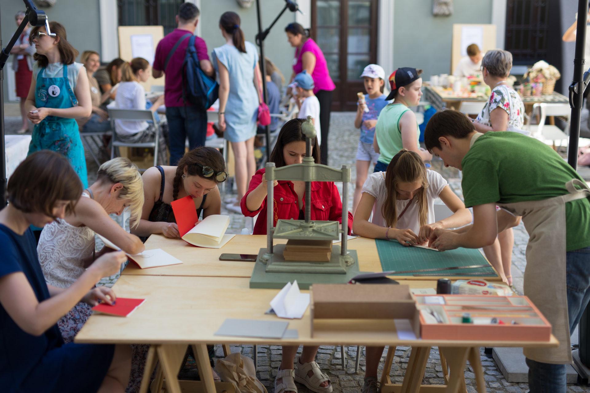 Rodzinne warsztaty w Muzeum Warszawy | Festiwal Przestrzeń Wolności