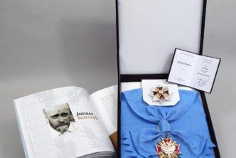 Pośmiertne odznaczenie Orderem Orła Białego dla Janusza Korczaka
