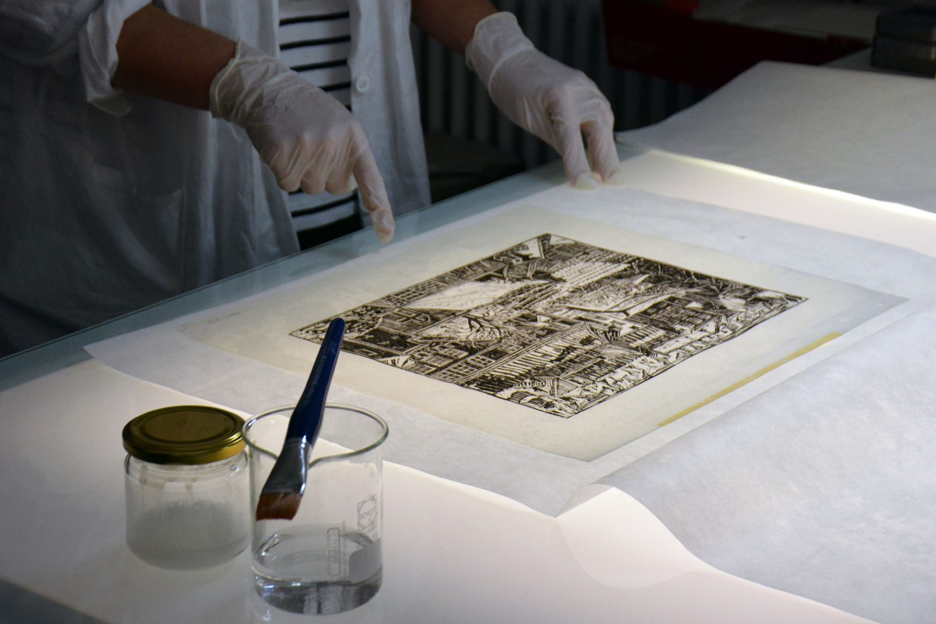 Konserwacja papieru, fot.Grażyna Kułakowska