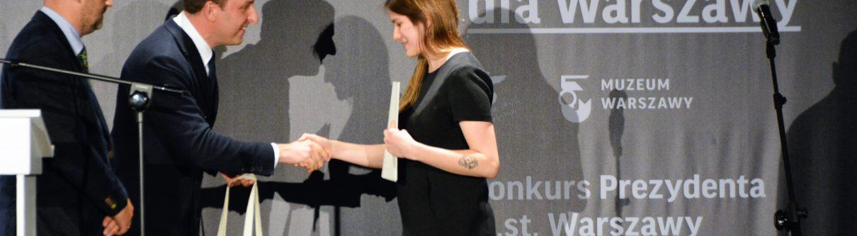 Rozdanie nagród podczas gali w Muzeum Warszawy