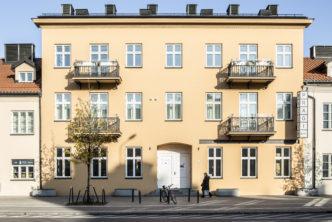 Tymczasowe utrudnienia wbiałej sali wystawy stałej Muzeum Warszawskiej Pragi