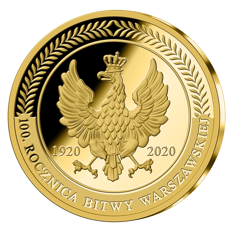 Złoty medal. Pośrodku orzeł wkoronie zgłową skierowaną wprawą stronę. Obok orła daty 1920 2020. Wokół nagórze ornament liściasty, podspodem 100. rocznica bitwy warszawskiej.