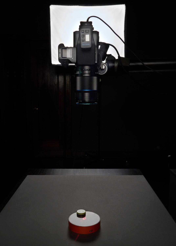 Fotografia. Aparat fotograficzny używany podczas digitalizacji obiektu.
