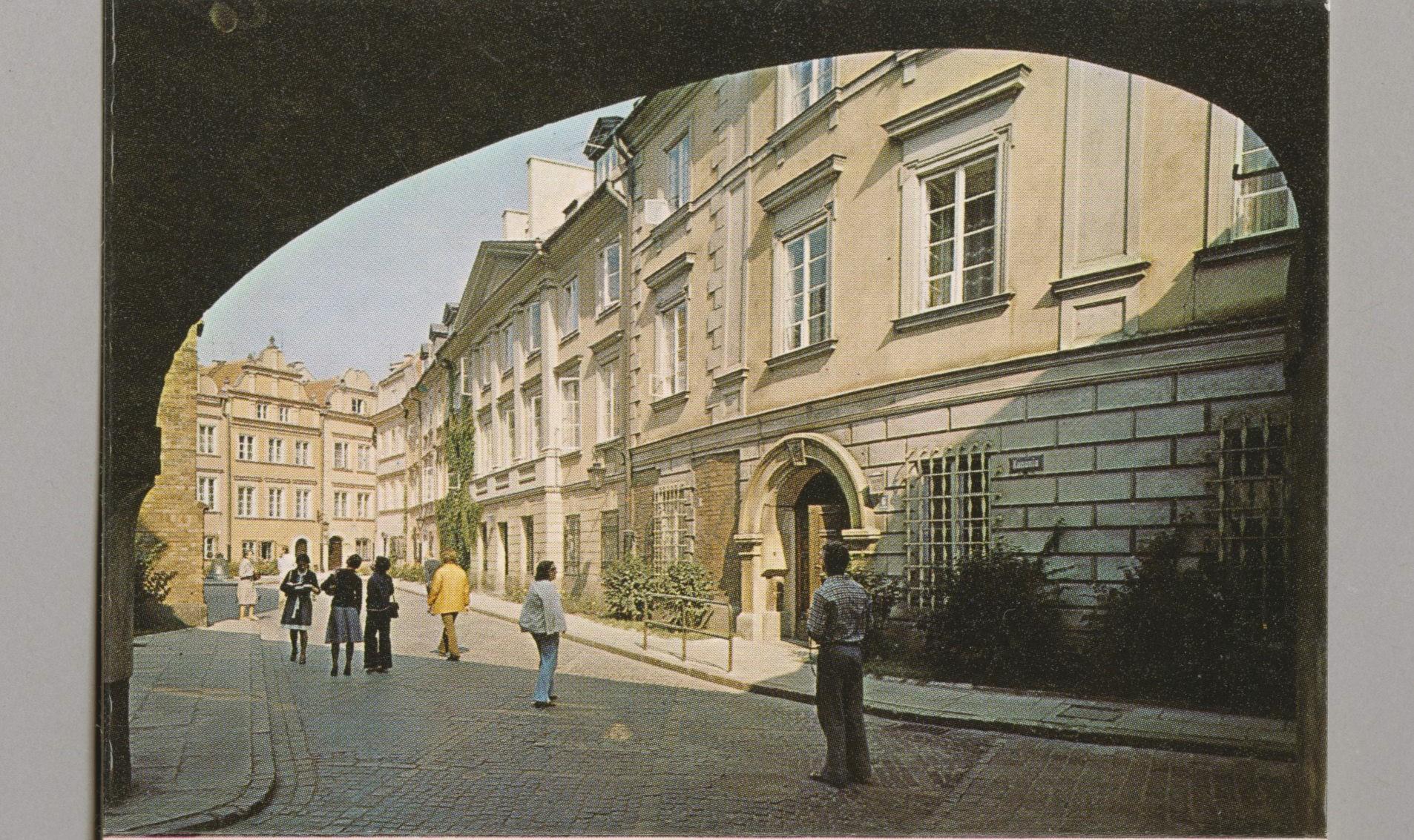 Zdjęcie trzy pocztówki zwidokami Starego Miasta
